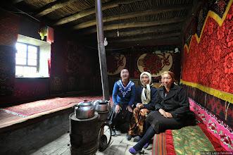 Photo: Szubasi asszonyok, Kirgíz vendégház, Péczely Lajos, kirgíz vendéglátók, Szubasi asszonyok