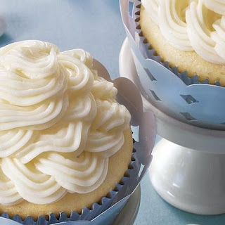 Double Almond Wedding Cupcakes.