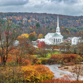 Fall in Stowe Vermont by Sue Matsunaga - Buildings & Architecture Places of Worship