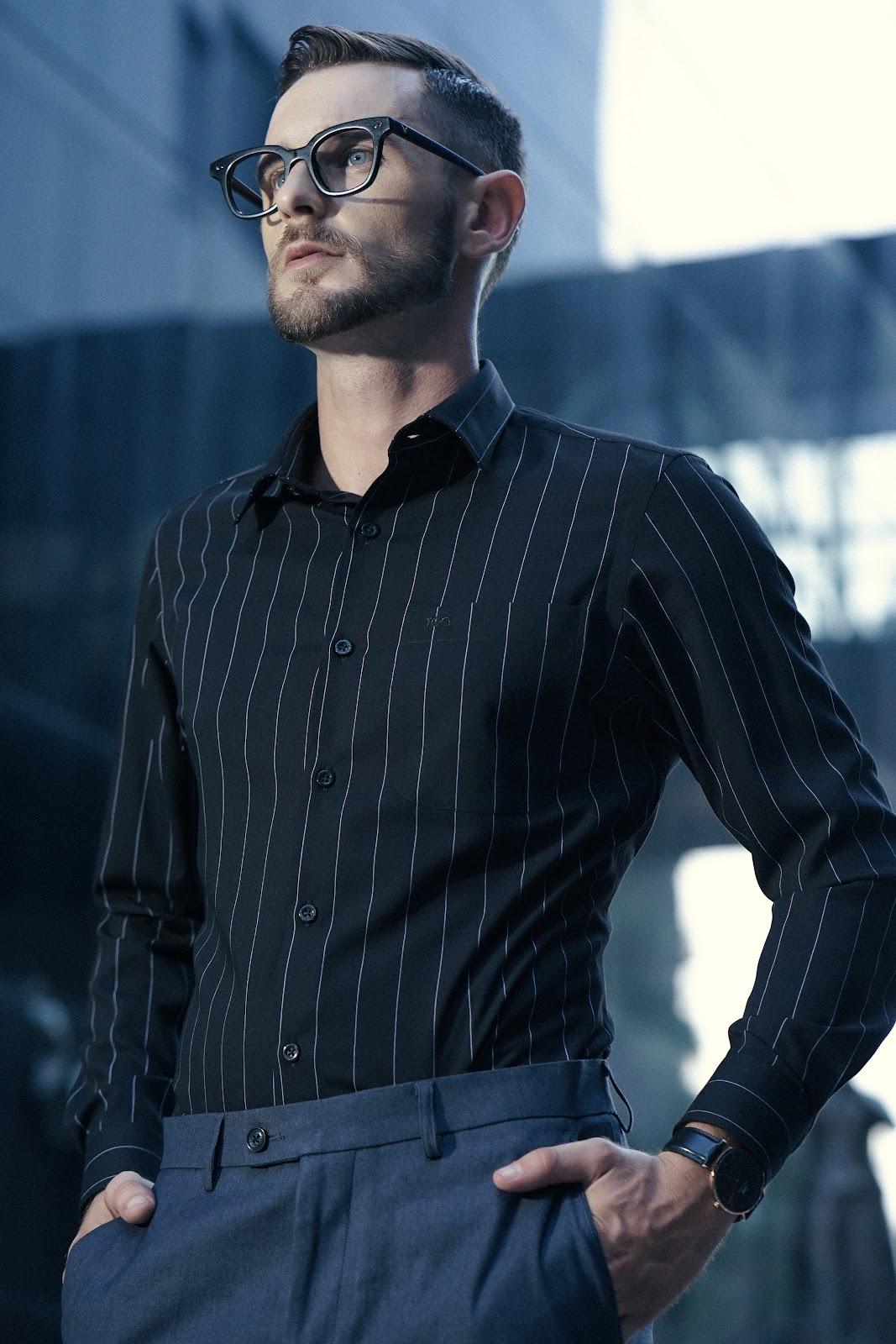 Thiết kế sọc dọc nam tính, che khuyết điểm cơ thể tốt, tạo sự trẻ trung, thu hút cho phái mạnh