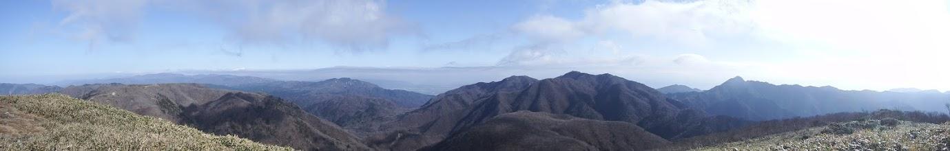 東雨乞岳からパノラマ
