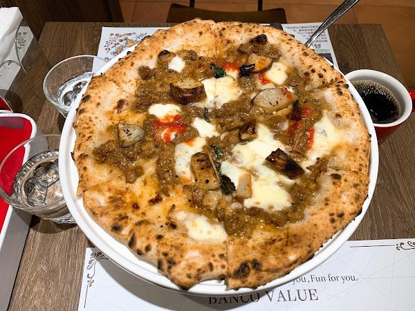 不經意路過這家店,因為看到自製義大利生麵,加上是窯烤披薩,就很想嘗試吃看看。沒想到超好吃ㄟ!讓我懷念起當年曾在義大利吃的食物!