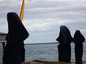 Photo: 'Three Nuns' look out over Cowes beach