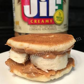 Easy breakfast Pancake sandwiches!.