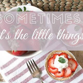 Mini Dessert Solutions Hint of Mint Strawberry Yogurt Mini Pies.
