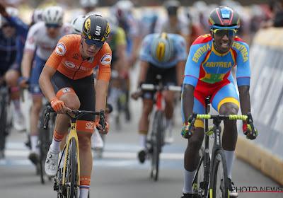 """Eritreeër uit Belgisch team pakt WK-medaille: """"Intermarché is als een familie, geloof dat ik grote renner kan worden"""""""
