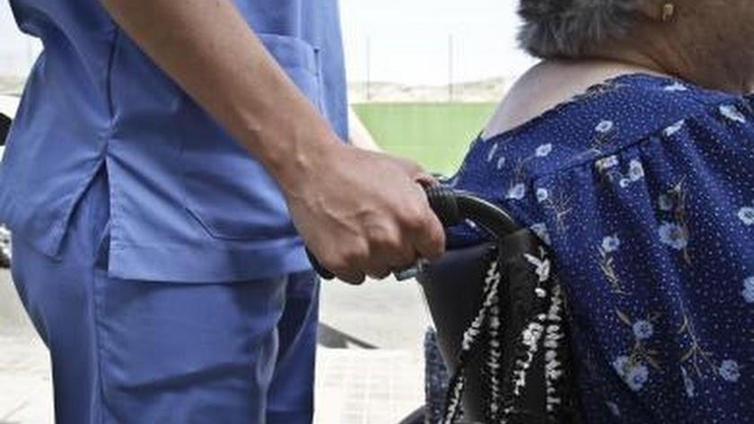 Se buscan cuidadores de personas con discapacidad en diversas localidades de Reino Unido.