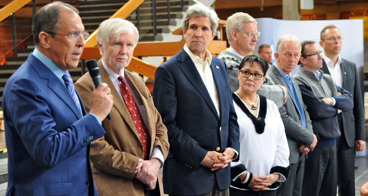 Secretary_Kerry_Attends_Closing_Session_of_the_Arctic_Council_Meeting_(4)-001.jpg
