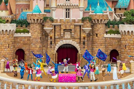 Hong Kong Disneyland Resort Celebrates International Friendship Day on July 30
