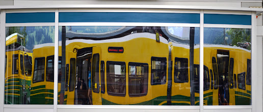 "Photo: 8. ""Pasajeros al tren"" de Cristina Pareja."