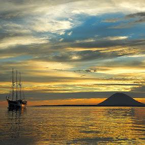 Old ship - Sulawesi, Bunaken by Zdenka Rosecka - Transportation Boats ( water, device, transportation )