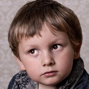 cian  by Tracey Dobbs - Babies & Children Child Portraits ( child, boy, portrait, eyes )