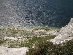 Photo: >>> ENGLISH <<< Dorset (South West England) is a home to best known coastlines, many nature reserves and also many attractive coves such as Lulworth. TIP: Take a train from London to Bournemouth, then scenic boat trip along Jurassic Coast to Swanage. Hop on historic train to Corfe Castle. And then walk along the coastline to Weymouth (2 days walk, sleep in YHA Lulworth Cove). For accommodation in Dorset check http://www.hotelscombined.com/City/Swanage.htm?a_aid=31292&label=picasa_en ││││││││││ >>> ČESKY <<< Dorset (jihozápadní Anglie), je známý krásnými plážemi a Světovým dědictvím Jurassic Coast s přírodními útvary Lulworth Cove či Durdle Door. TIP: Z Londýna jeďte vlakem do Bournemouthu, odtud výletní lodí kolem bílých útesů do města Swanage. Pak historickým vlakem na hrad Corfe Castle. Dále pakračujete 2-denní túrou kolem pobřeží až do města Weymouth (spát můžete v hostelu YHA Lulworth Cove). Ubytování v Dorsetu najdete na http://www.hotelscombined.com/cz/City/Swanage.htm?a_aid=31292&label=picasa_cz