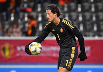 Benfica veut conserver Mile Svilar, mais le jeune Belge hésite