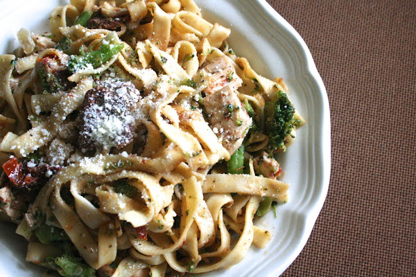 Chicken And Sun-dried Tomatoes Over Fettuccine Recipe