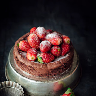 Chocolate Cake With Strawberries Recipes