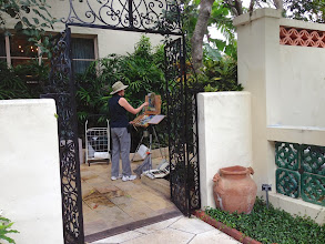 Photo: Chris Kling /Painting plein air at the Society of the Four Arts 12-12-13