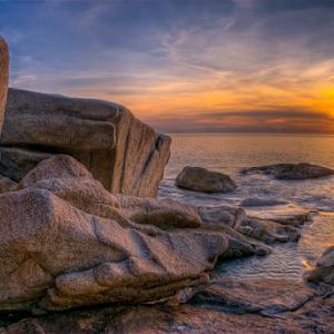 Eden sunrise Rocks.jpg