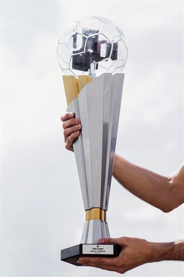 3D-трофей, в котором были более заинтересованы, чем результаты конкурса, был создан 3DTrophyFactory