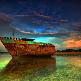 Gosht Ship by Agoes Antara - Transportation Boats