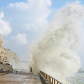 The Wave by Istvan Somogyi - Uncategorized All Uncategorized ( storm, giant, people, sea, wave,  )