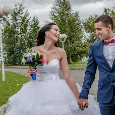 Wedding photographer Yana Mikhaylova (mihailovauana199). Photo of 27.08.2015