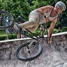 Dangerous Stunts ! by Marco Bertamé - Sports & Fitness Other Sports ( flying, skatepark péitruss, stunt, jump, luxembourg )