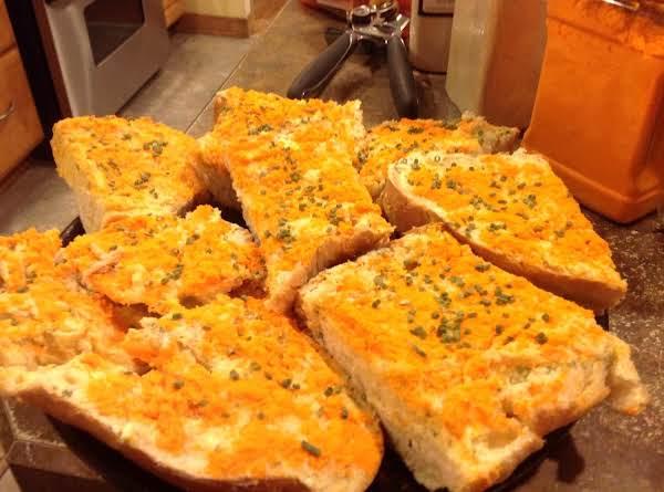 Quick Fix Cheesy Garlic Bread