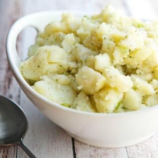Zesty Ranch Potato Salad {No Mayo + Gluten Free}.