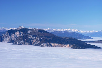 Photo: pogled na sever ,levo Dobrač ,tik za njim špička Grosglocknerja