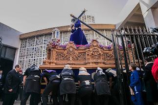 Nuestro Padre Jesús del Gran Poder en su salida de la Iglesia Parroquial San Pio X (Zapillo)