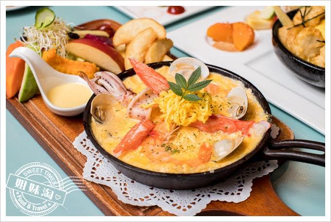 W Kitchen現撈海鮮烤蛋