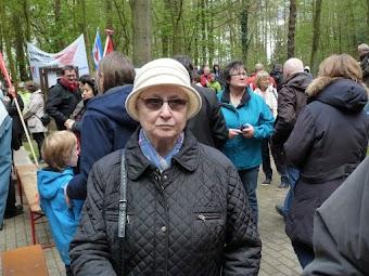 Christa Brunzen, Kundgebungsteilnehmer:innen.