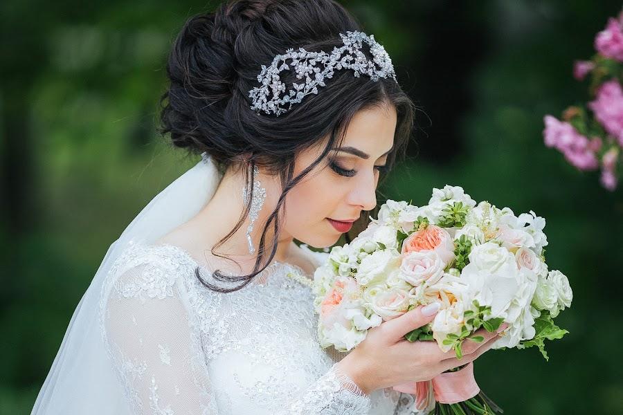 Bryllupsfotograf Oksana Martynova (OksanaMartynova). Bilde av 15.05.2018