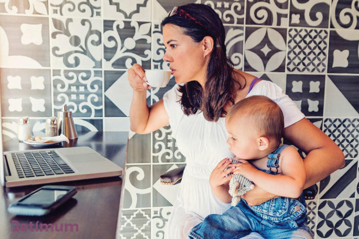 Mẹ cần tránh xa cà phê, socola, trà xanh… để tránh mất sữa