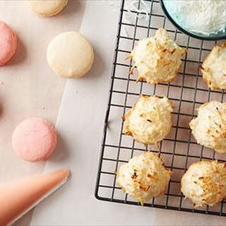 Macaroons or Macarons