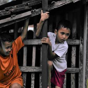 penekan by Krishna Murti - Babies & Children Children Candids ( #child )