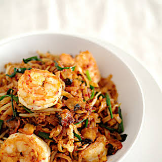 Penang Char Kuey Teow (��部姊� Penang Fried Flat Noodles).