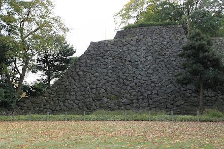 野面積の例 金沢城 東の丸 北面石垣