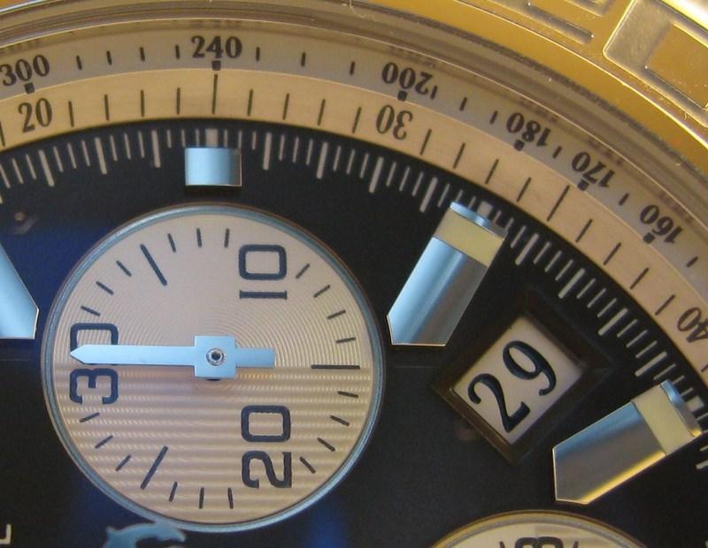 http://img835.imageshack.us/img835/4919/dateq.jpg