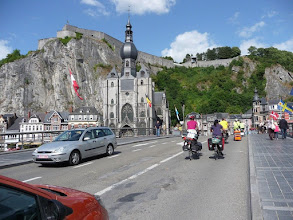 Photo: Dinant, sa collégiale et sa citadelle