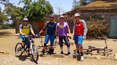 Photo: Petite photo du groupe de riders: Berni, Xav, Bouli et Bruno