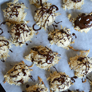 Triple Coconut Macaroons (Paleo/ Grain Free/ Gluten Free/ Vegan/ Dairy Free/ Refined Sugar Free)