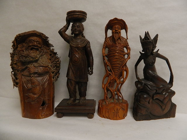Photo: Woodcarvings at Objets D'Art