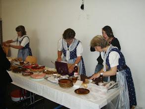 Photo: Gut besuchter Kuchenstand