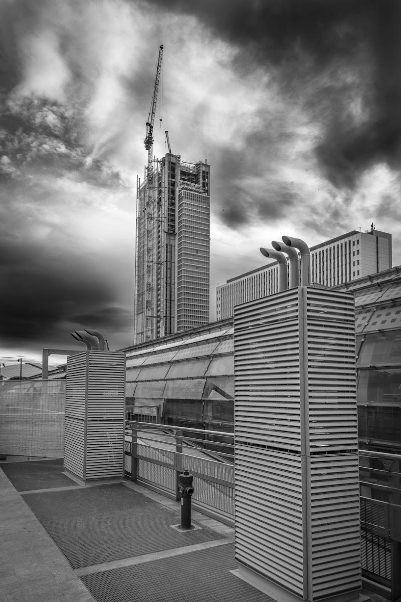 A city into the future di Mauro Rossi