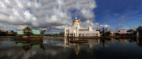 Sultan Omar Ali Saiffudin Mosque by Muhammad Muqri - Landscapes Travel ( reflection, landmarks, mosque, travel, worships )
