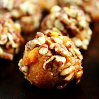 Clean Eating Vegan Sweet Potato and Pecan Balls (Vegan, Gluten-Free, Dairy-Free, Egg-Free, Paleo-Friendly, No Refined Sugar).