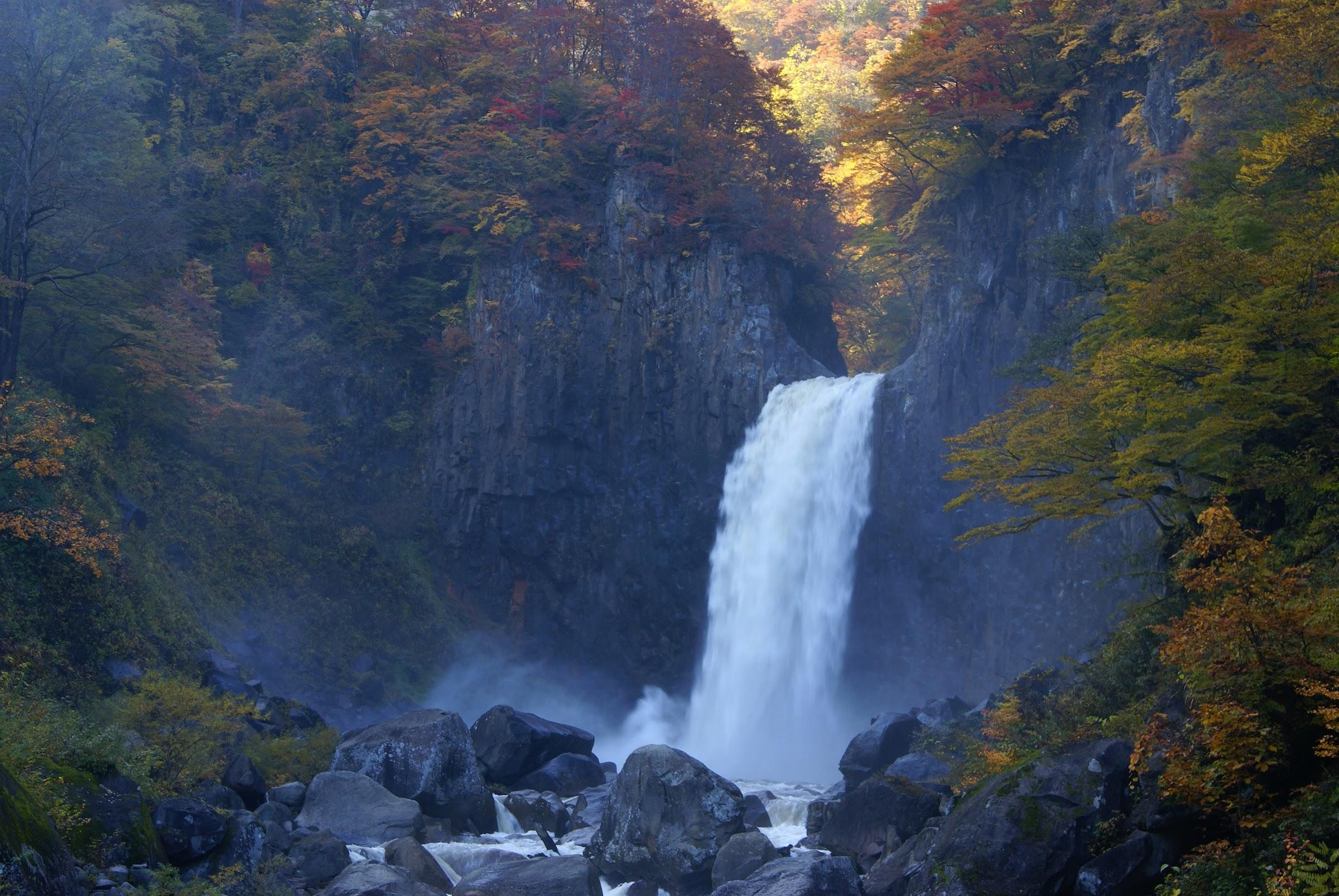妙高02日本の滝百選「苗名滝」新潟県妙高市杉野沢2