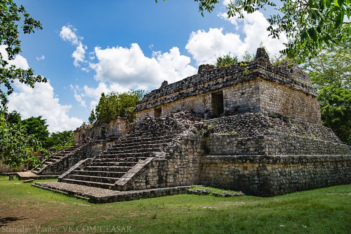 Пирамиды-близнецыLas Gemelas, Эк-Балам